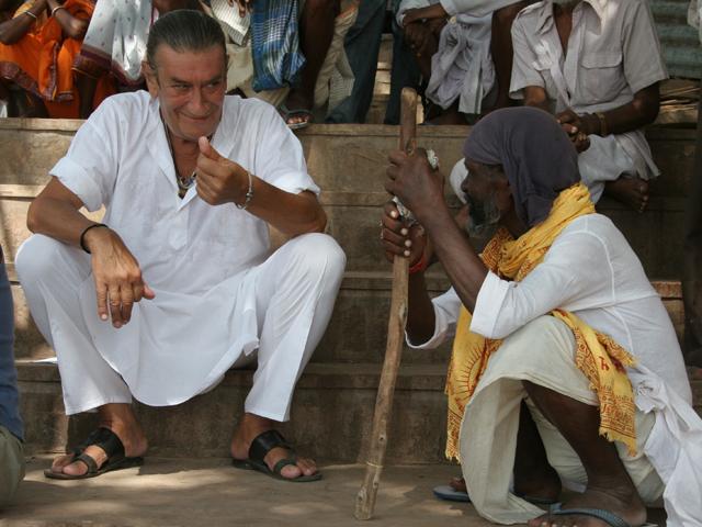 En 1973 Bernard Yves-Sabot, llego a Varanasi. La ciudad entonces conocida como Benarés