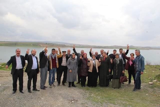 Eşbaşkan adayları projelerini halka anlatıyor