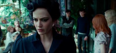 El peligro de los huecos asusta hasta a Miss Peregrine.