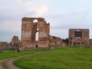 vista laterale - Villa dei Quintili