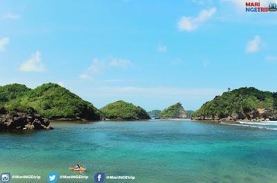 Pantai Teluk Asmoro Malang Mari NGEtrip