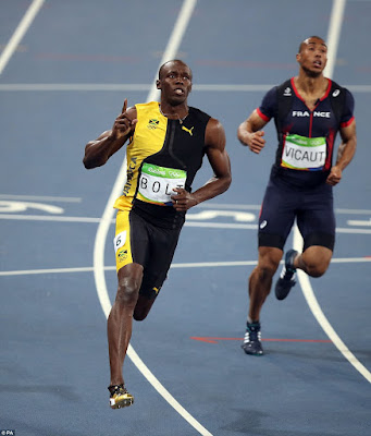1a3 - VIDEO: Usain Bolt won the gold in 100m Final race as the fastest man at the Rio 2016  Olympics