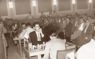 Torneo Internacional de Ajedrez Bercelona 1952, 1ª ronda, Torán contra Rossetto