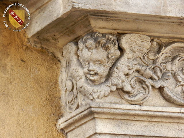 PONT-A-MOUSSON (54) - Hôtel des Echevins (1598)