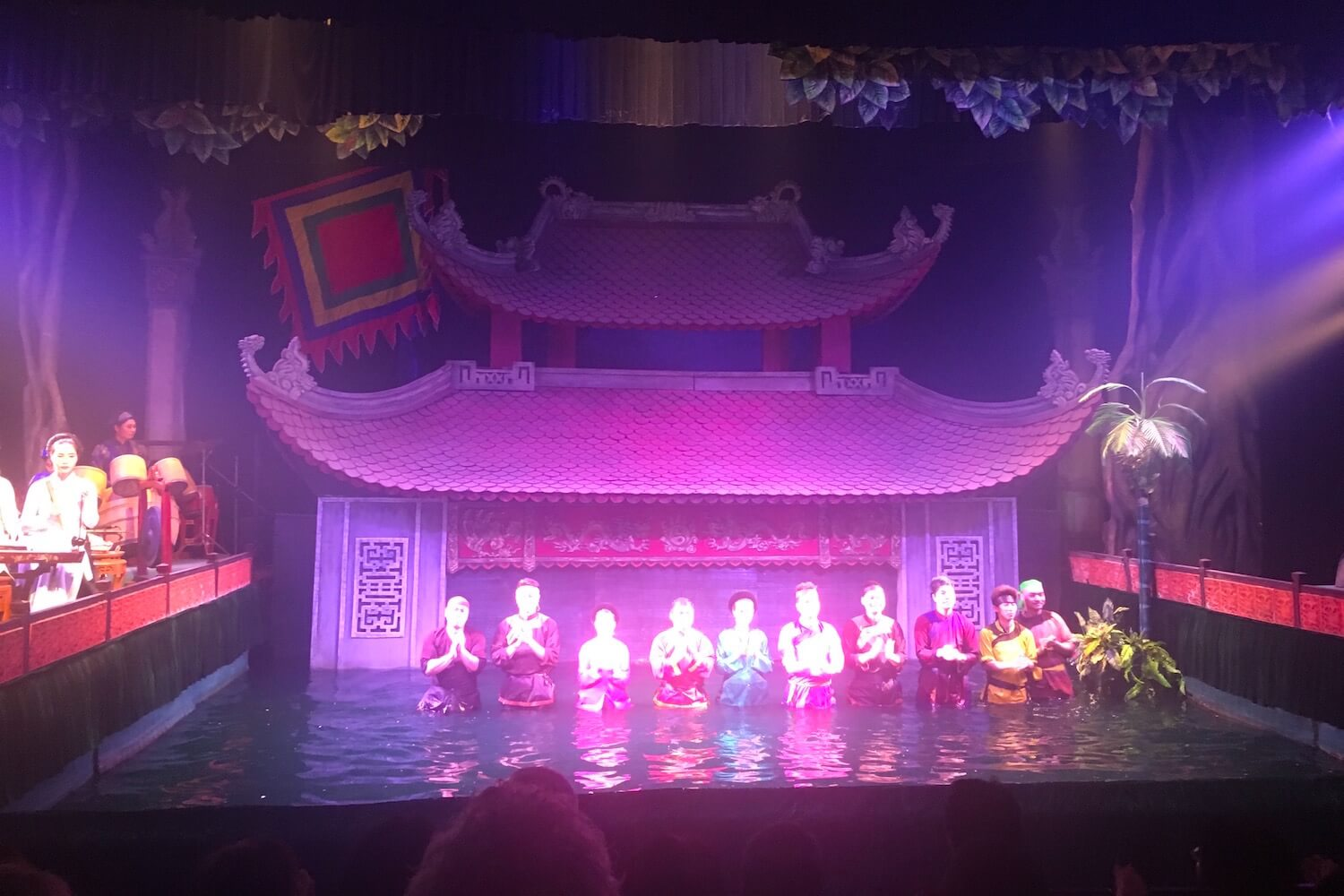 thang long theatre performers