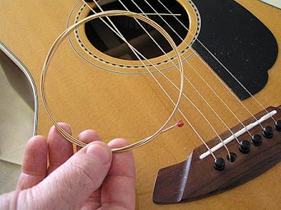 Kĩ năng cơ bản khi thay dây đàn Guitar