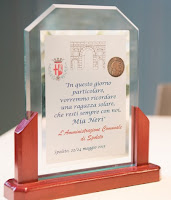 targa commemorativa Mia Neri