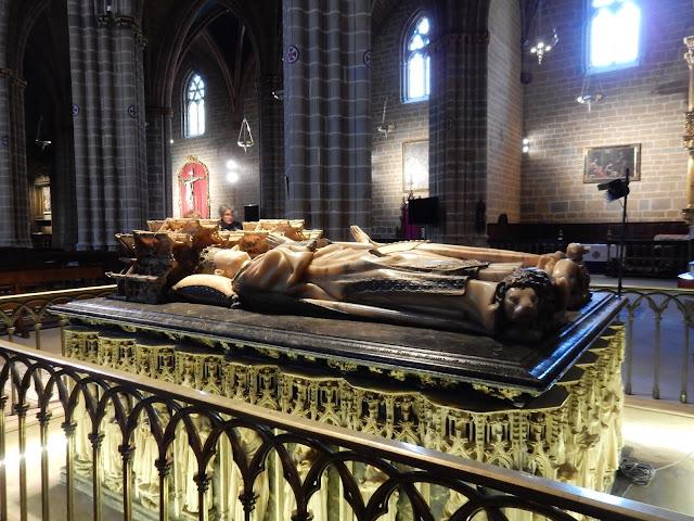 Mausoleo, Catedral Santa María La Real, Pamplona, Navarra, Elisa N, Blog de Viajes, Lifestyle, Travel