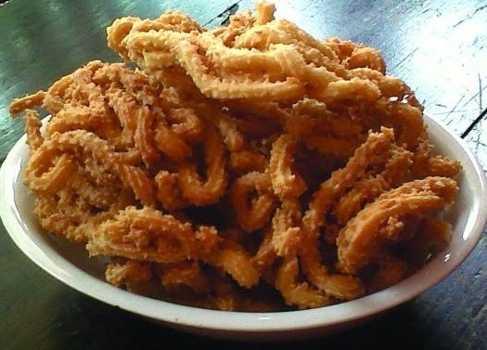 http://www.naresep.com/2015/12/resep-cara-membuat-kue-akar-kelapa-yang.html