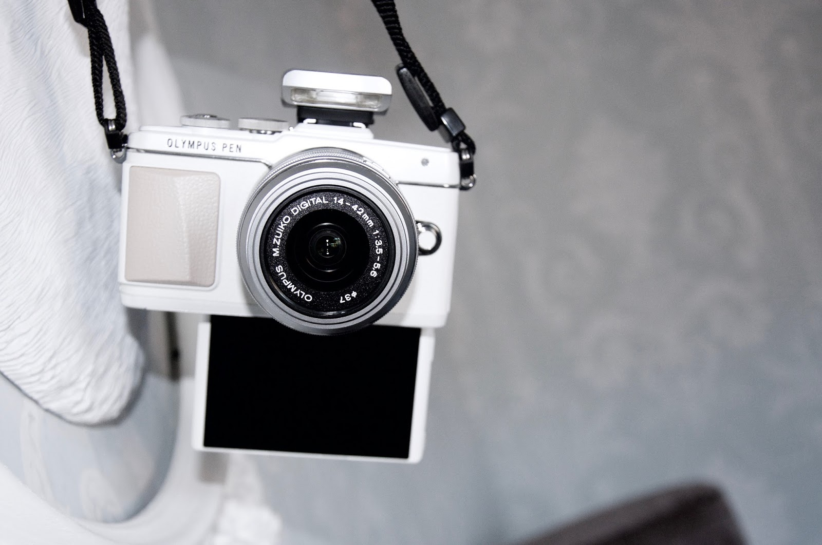 THE OLYMPUS PEN E-PL7 CAMERA, MY NEWEST STYLE GEM BESTFRIEND