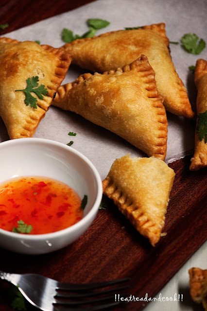 how to make Mangsher Singara / Mutton Samosa / Samosa with minced Meat recipe and preparation with step by step pictures