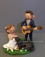 cake topper divertenti chitarra con cane bovaro del bernese sposini carini orme magiche