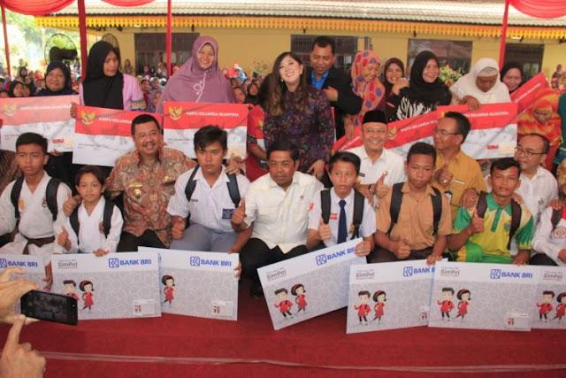 Presiden Jokowi Ingatkan Jangan Hambat Penyaluran Bantuan untuk Keluarga Kurang Mampu