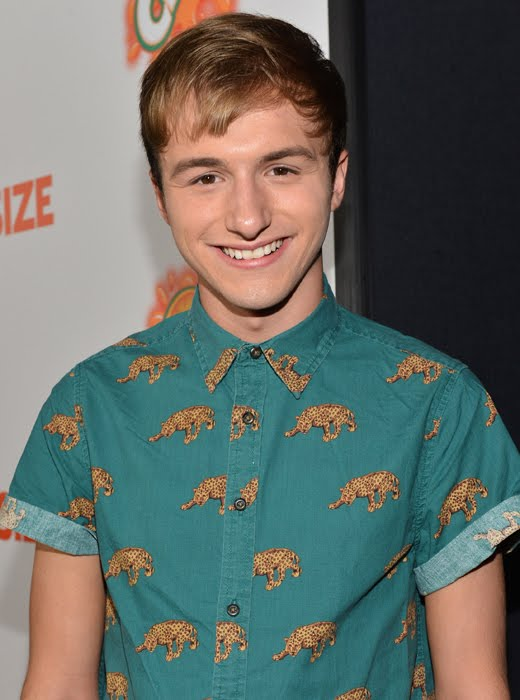 Nickalive Nickelodeon Stars Attend The Orange Carpet