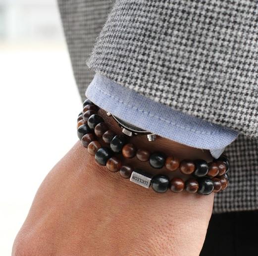 ... ou utilizar um coordenado mais formal, como por exemplo, um bom fato e  gravata e usar uma pulseira em ráfia ou macramé, certo  Cintos  1aa3872168