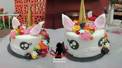 Kue tart karakter unicorn pesanan yang sayang dimakan
