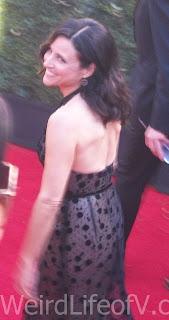 Julia Louis-Dreyfus smiles at fans at the 2016 Emmys