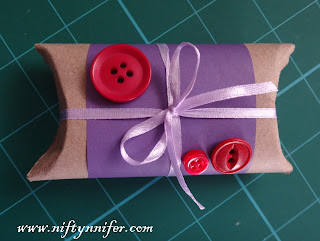 http://www.niftynnifer.com/2018/02/how-to-make-pillow-boxes.html