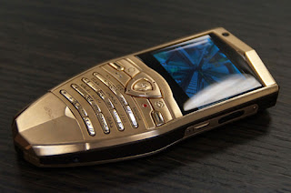 Lelang Smartphone Mahal, Vertu Ingin Lunasi Hutang