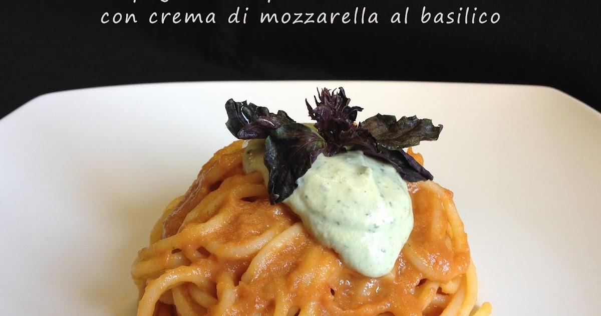 Spaghetti al pomodoro smart e crema di mozzarella al basilico (winter & summer)