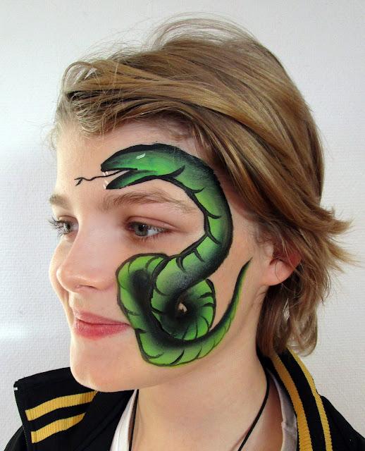 Blikfang slange ansigtsmaling