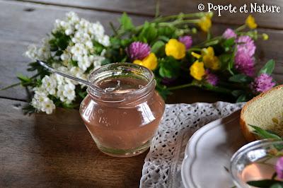 Confit de fleurs de trèfles © Popote et Nature