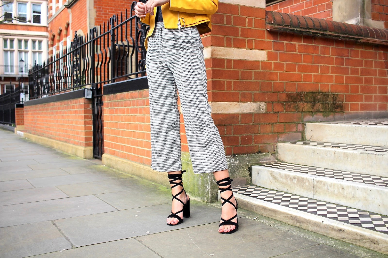 peexo london fashion blogger yellow styling