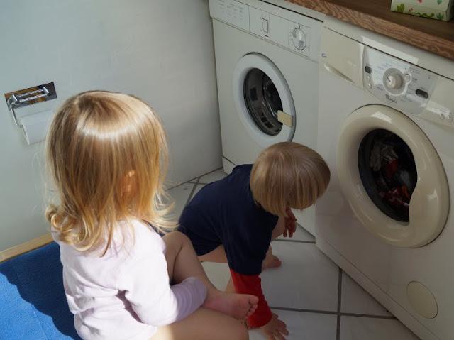 Es ist doch alles in Ordnung? #Familienmoment Nr. 41: Im Schleudergang oder von der Faszination der Waschmaschine