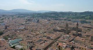 Museo Bargello y Badia Fiorentina desde la cúpula del Duomo de Florencia.