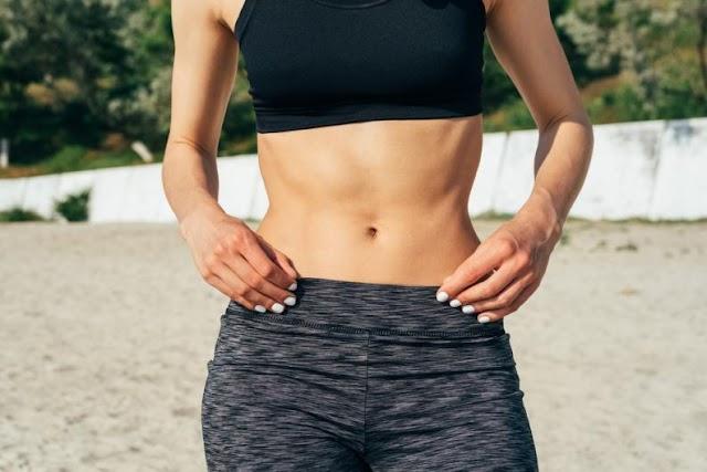 Cómo perder grasa abdominal con estos 8 consejos efectivos
