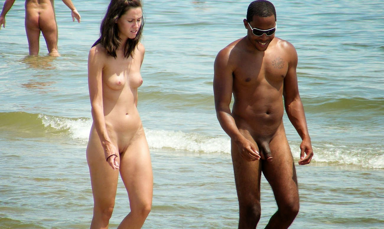 Nudism - Photo - HQ : Nude family - beach sandy hook - cont.(cocozella)