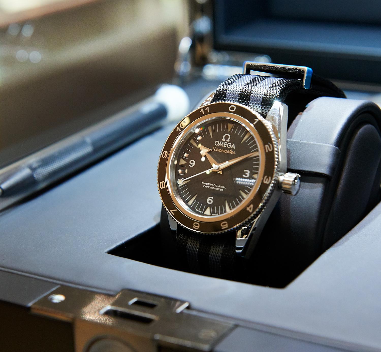 13ff6a7f29d Estação Cronográfica  Relógios Omega e a sua ligação a James Bond em  exposição no El Corte Inglés de Lisboa