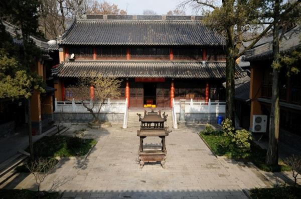 วัดหลิงกู่ (Linggu Temple: 灵谷寺) @ www.heesterbeek.net