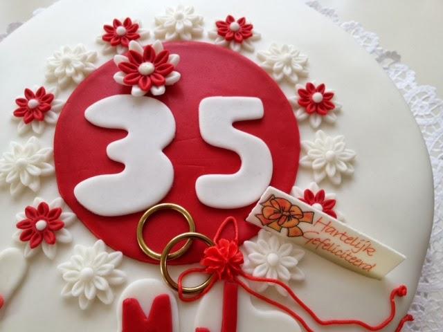 35 jaar getrouwd taart Heerlijke taarten ook voor jouw feest: 35 Jaar getrouwd 35 jaar getrouwd taart