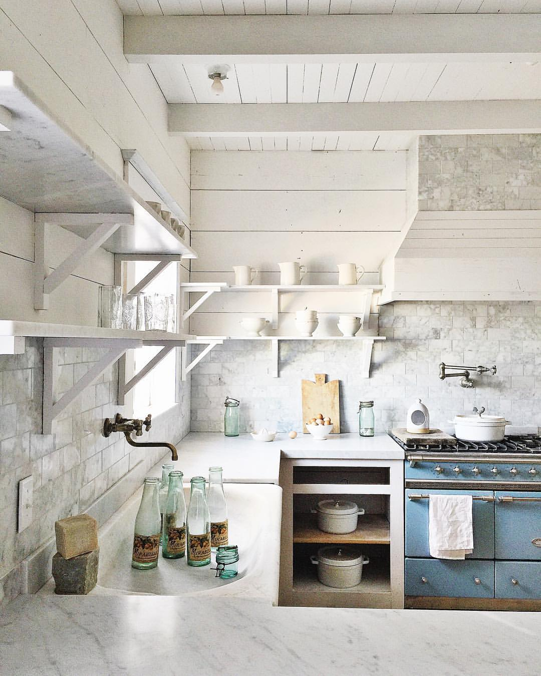 Blue and White Kitchen Decor Inspiration from the French farmhouse style kitchen of Dreamy Whites. Come see 36 Best Beautiful Blue and White Kitchens to Love! #blueandwhite #bluekitchen #kitchendesign #kitchendecor #decorinspiration #beautifulkitchen
