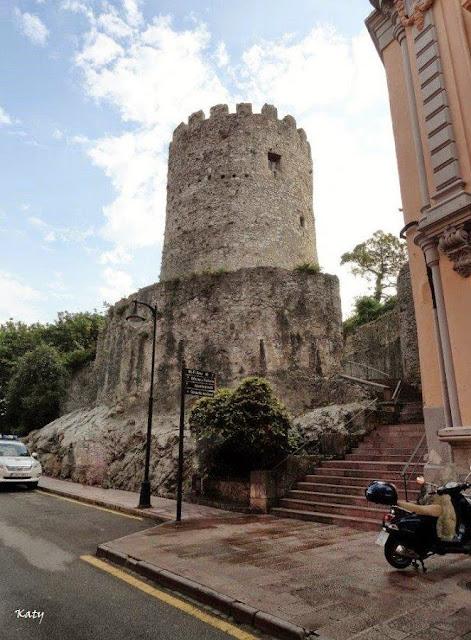 Ciudadana del mundo llanes asturias for Oficina turismo llanes