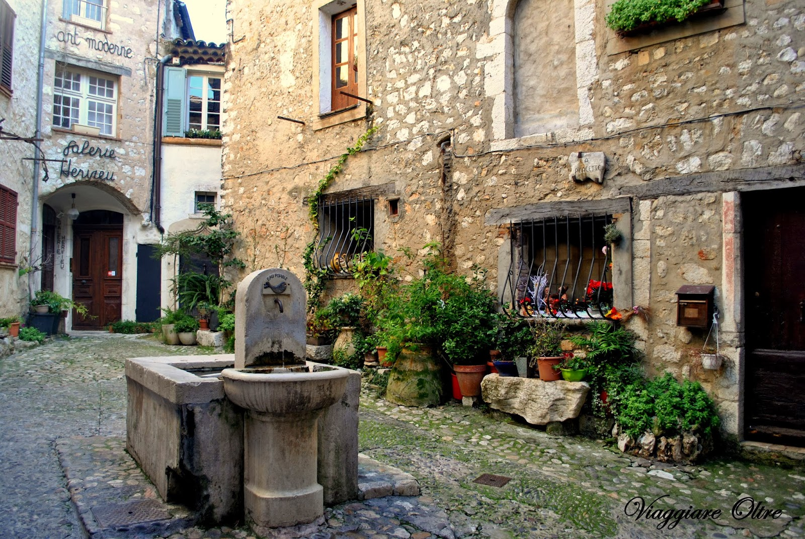 how to get from nice to st paul de vence
