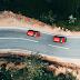 Seguir um amigo de carro faz a viagem ficar mais perigosa
