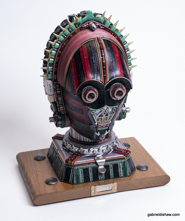 08-C3PO-Pygmy-Gabriel Dishaw-Star-Wars-Environmentally-Friendly-Upcycling-and-Recycling-www-designstack-co