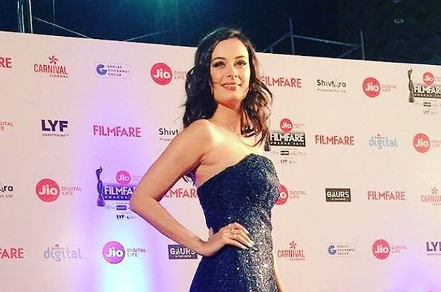 Evelyn Sharma at Filmfare Awards 2017