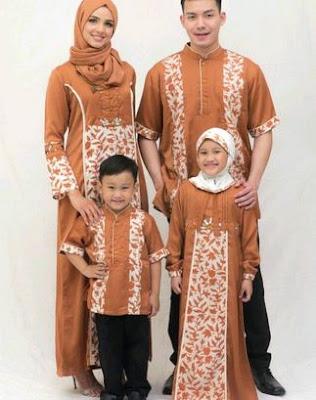 Busana keluarga model batik muslim 2 anak