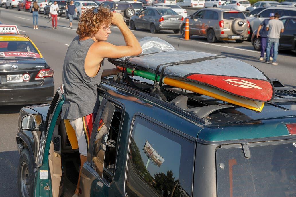 Al surfer de la Panamericana no le devuelven la camioneta