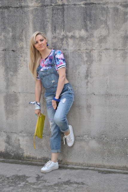 denim jumpsuit outfit how to wear denim jumpsuit june outfit mariafelicia magno fashion blogger color block by felym fashion bloggers italy italian fashion bloggers italian influencer blondie blonde girls blonde hair