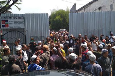 demo masjid imam ahmad bin hambal