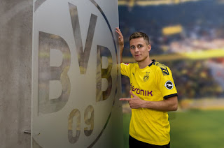 Borussia Dortmund complete signing of Thorgan Hazard