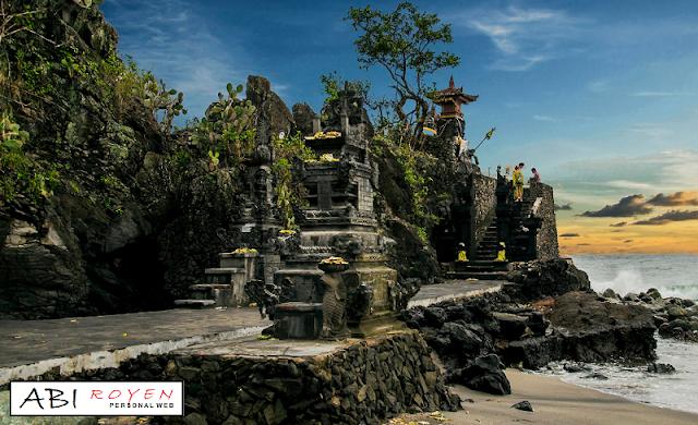 Tempat%2BWisata%2BDi%2BNusa%2BTenggara%2BBarat%2BPaling%2BEksotis%2BPura%2BBatu%2BBolong 24 Tempat Wisata Di Nusa Tenggara Barat Paling Eksotis Dan Wajib Dikunjungi