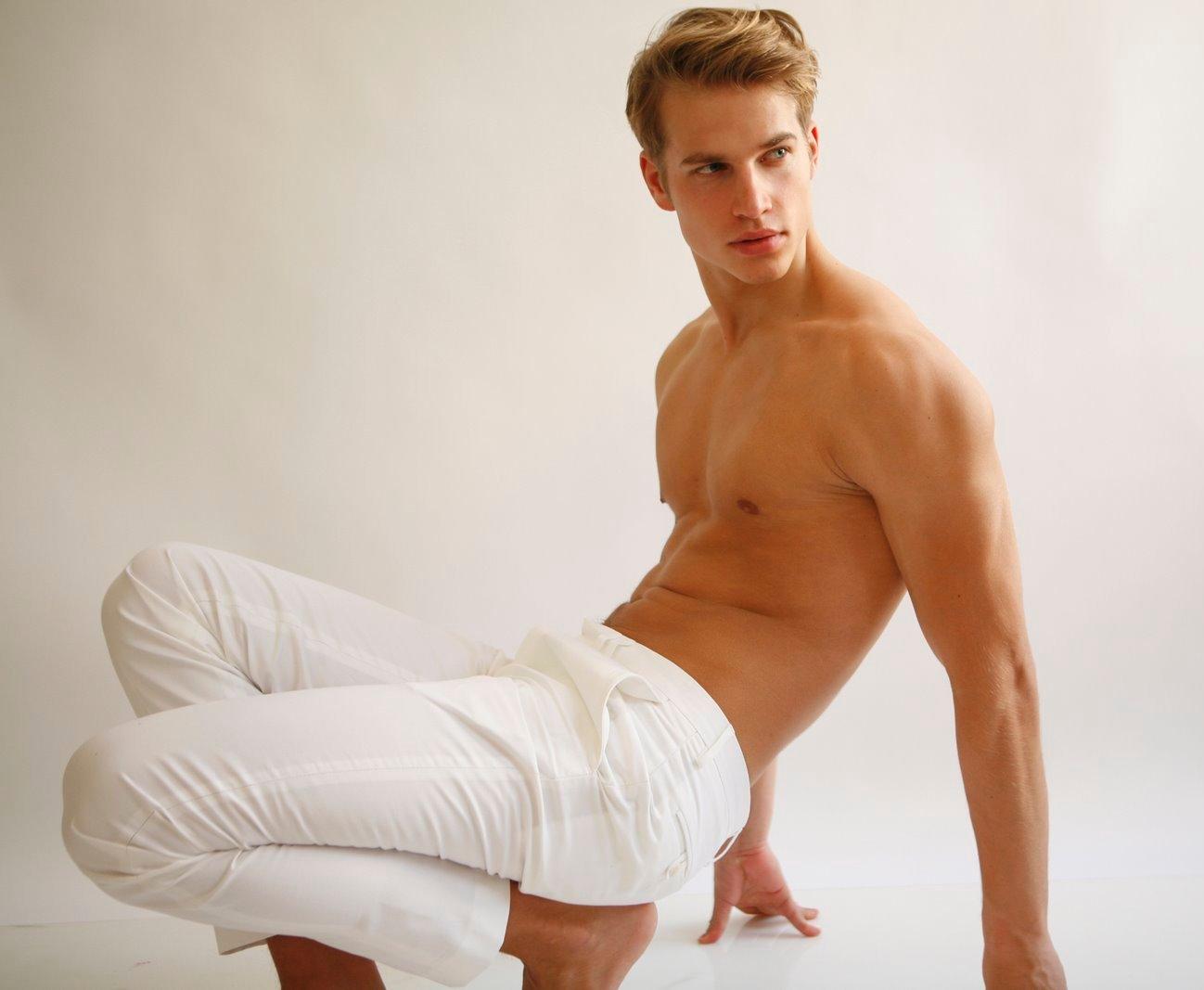 Shirtless gay twinks in shorts movies jason 8