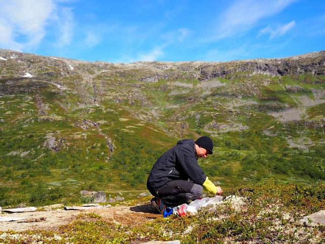 Večeře v Norsku, stanování, příroda, Jotunheimen, nikdo nikde