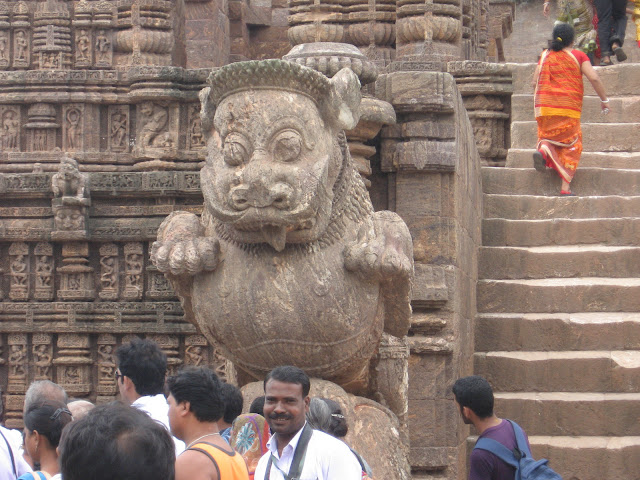 Sculptue of mighty simha-gaja, Konark, Odisha