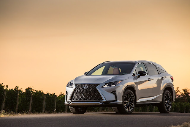 Front 3/4 view of 2016 Lexus RX 350 F SPORT